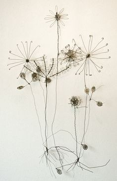 """Obtain great ideas on """"metal tree art projects"""". They are actually on call for you on our internet site. Metal Wall Flowers, Wire Flowers, Flower Wall, Paper Flowers, Leaf Wall Art, Metal Tree Wall Art, Metal Art, Sculptures Sur Fil, Sculpture Art"""