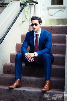 Doctor Mike, Dr Mike Varshavski, Blue Blazer Outfit Men, Blazer En Tweed, Suit Fashion, Mens Fashion, Designer Suits For Men, Men Style Tips, Poses