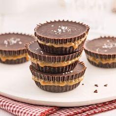 Bouchées sucrées-salées choco-érable - Recettes - Cuisine et nutrition - Pratico Pratique Dessert Simple, Pie Dessert, Toffee, Easy Desserts, Yummy Treats, Biscuits, Sweet Tooth, Cheesecake, Deserts
