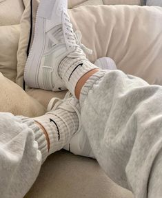 Aesthetic Shoes, Beige Aesthetic, Aesthetic Clothes, Mode Outfits, Casual Outfits, Fashion Outfits, Womens Fashion, Grunge Outfits, Casual Clothes