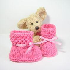 Chaussons bébé tricotés en rose indien taille 0-3 mois Tricotmuse : Mode Bébé par tricotmuse
