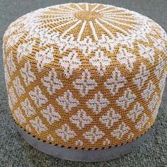 At44 Dawoodi Bohra, Backpack Pattern, Geometric Designs, Book Design, Cross Stitch, Cool Stuff, Crochet, Personal Organizer, Floral