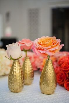 Two-toned roses in funky gold vases | Photo by I Do Photography | Floral design by Butterfly Petals