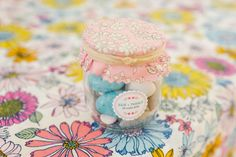 dragées dans bocaux de confiture Wedding Favors, Wedding Invitations, Invites, Guest Gifts, Marie, Decorative Boxes, Wedding Inspiration, Lisa, Projects