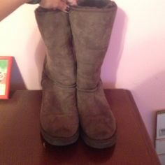 Barely worn Ugg boots Brown Ugg boots. Barely worn. Great condition. Size 7W UGG Shoes