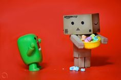 http://arkarthick.com/2010/06/15/cute-funny-danbo-cardboard-box-toy-robots-art/