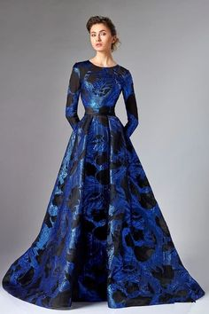 Ball Dresses, Ball Gowns, Prom Dresses, Long Sleeve Evening Gowns, Evening Dresses, Pretty Outfits, Pretty Dresses, Couture Dresses, Fashion Dresses