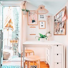 Bright Boho Home Office Ideas   #surfshack #bohooffice #officedecor #bohodecor #ikea #worldmarket #urbanoutfittershome #shiboriwallpaper #wallpaper #art #affordableart #modernhomeoffice Home Office Design, Home Office Decor, Office Ideas, Urban Outfitters Home, Surf Shack, Wallpaper Art, World Market, Affordable Art, Boho Decor