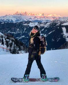 Snowboard outfit goals Insta: Smeshlivaya – Zoe M… Ski Et Snowboard, Snowboard Girl, Snowboard Goggles, Ski Goggles, Winter Instagram, Photo Instagram, Photo Ski, Mode Au Ski, Snowboards