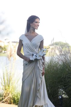 Nicole Jaureguiberry, beatiful on her wedding day dressed as Cortana. #Cortana #weddingdress #welovewomen