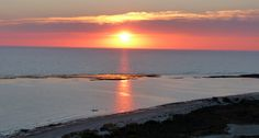 Puesta de sol en la playa de Camposoto , San Fernando, Cádiz