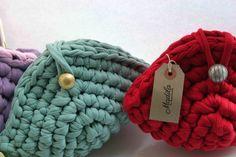 "Handmade handbags made with tshirt yarn / trapillo / zpagetti ""Elsa"" clutch https://www.etsy.com/uk/listing/207816836/handbag-elsa-handmade-with-eco-friendly?ref=shop_home_feat_4"