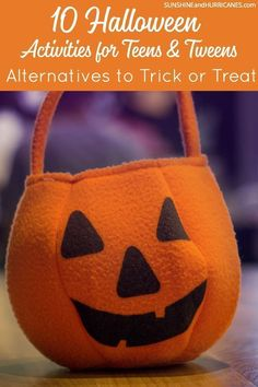 Has your tween or teen decided it's time to hang up the trick or treat bag? Here are 10 Halloween Activities for Teens and Tweens that will be just as fun! via Sunshine and Hurricanes Source by sunandhurricane Halloween Treat Bags, Cute Halloween Costumes, Halloween Activities, Halloween Party, Halloween Stuff, Happy Halloween, Halloween Traditions, Activities For Teens, Trick Or Treat Bags
