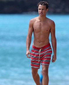 Read Chapitre 17 : Bonjour Hawaï from the story Ex ou ensemble ? Striped Swimsuit, Red Swimsuit, Really Hot Guys, Cute Guys, Kobe, Chasing Cameron, Cameron Dallas Shirtless, Justin Campbell, Cam Dallas