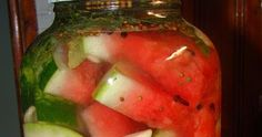 Musai sa puneti toamna asta macar un borcan mare cu pepene in saramura! O sa ma pomeniti la iarna!  Pepenele murat are gust dulce-acrisor... Watermelon, Fruit, Food, Green, Eten, Meals, Diet