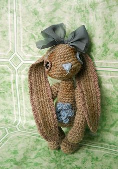 Elena calls this little sweetie the 'Spring Elegant Hare'.  No pattern that I could find but so cute right?
