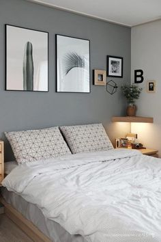 Small Bedroom Ideas - Master bedroom doesn't have to be huge if you don't have enough space.Do you need some inspiration of small master bedroom decorating ideas that fit with your style and space? Bedroom Colors, Home Decor Bedroom, Bedroom Art, Paint Ideas For Bedroom, Decorating Small Bedrooms, Grey Wall Bedroom, Cheap Bedroom Ideas, Cheap Bedroom Makeover, Grey Bedroom Design