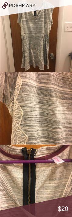 Euc xhilaration dress with lace detail Euc xhilaration dress with lace detail Xhilaration Dresses Midi