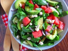 salade-pasteque-ete-épinards-fromage-feta-avocat salad-watermelon-been-spinach-cheese feta and avocado Easy Smoothie Recipes, Healthy Salad Recipes, Lunch Recipes, Healthy Meals, Healthy Food, Healthy Eating, Weight Watchers Salad, Homemade Frappuccino, Watermelon And Feta
