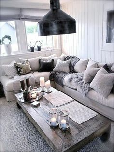Totally swooning over this cozy chic living room! The different shades of grey a. Totally swooning over this cozy chic living room! The different shades of grey against a light couch brings a modern twist to your home decor. Home Decor Inspiration, Chic Living Room, Interior, Home N Decor, Family Living Rooms, Living Room Grey, Silver Living Room, Living Decor, Home And Living