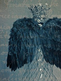 ❥ beautiful feather wings and crown
