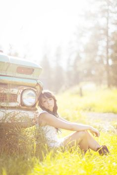 vintage truck? Check. Pose? Check. Blurry sunny focus? Check.