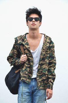 LOOKBOOK: Military Jacket - Vini Uehara