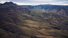Hells Canyon (SUA)  20 de poze deosebite cu canioane, adevarate sculpturi ale naturii - galerie foto.  Vezi mai multe poze pe www.ghiduri-turistice.info  Sursa : www.flickr.com/photos/sbeebe Mount Everest, Mountains, Travel, Viajes, Destinations, Traveling, Trips, Bergen