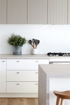 Our new Topus Concrete isn't the only thing with neutral blush undertones - your cheeks will match with all the compliments you'll be receiving on these gorgeous countertops. Just ask Boutique Homes Victoria! Stone Benchtop Kitchen, Stone Kitchen, Kitchen Tiles, New Kitchen, Kitchen Dining, Kitchen Decor, Kitchen Splashback Ideas, Backsplash Ideas, Rustic Kitchen
