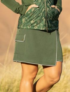 "Lori's Golf Shoppe has everything you need to golf in comfort and style! Buy this VICTORY ROSE (Loden) Greg Norman Ladies ML75 Triumph 18"" Pull On Golf Skort online today!"
