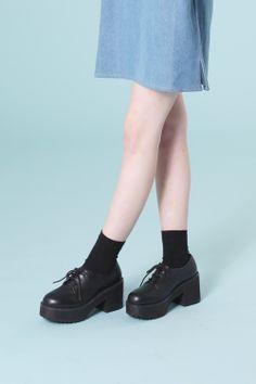 Leather Chunky Heel Brogue Black - THE WHITEPEPPER ...