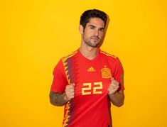 Isco of Spain poses during the official FIFA World Cup 2018 portrait session at FC Krasnodar Academy on June 2018 in Krasnodar, Russia. Get premium, high resolution news photos at Getty Images World Cup 2018, Fifa World Cup, Spain Football, Football Art, College Football, Isco Alarcon, European Soccer, Fc Chelsea, National Football Teams