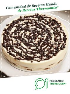 Tarta de chocolate blanco por Thermomix Vorwerk. La receta de Thermomix<sup>®</sup> se encuentra en la categoría Dulces y postres en www.recetario.es, de Thermomix<sup>®</sup> Cocinas Chocolate, Flan, Tiramisu, Food And Drink, Bread, Candy, Cooking, Ethnic Recipes, Sweet