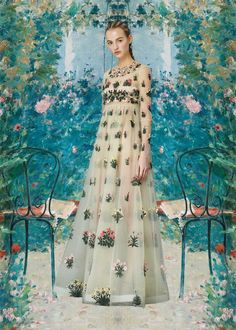 miss-moss-valentino-pre-fall-2015-05 the Primavera collection, with embroidered flowers