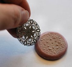 Polymer clay and stamping with filigree...good idea !