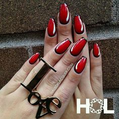 Pop Art coffin nails. Could be done with any 2 colors