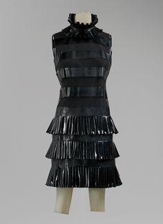 Karl Lagerfeld: Dress (1994.161.1) | Heilbrunn Timeline of Art History | The Metropolitan Museum of Art