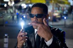"""""""Men in Black 3"""" –  La interpretación de J. Brolin es magistral, divertida  y un poco más que incómoda.  El resto es tan bueno como se podría esperar de una secuela..."""