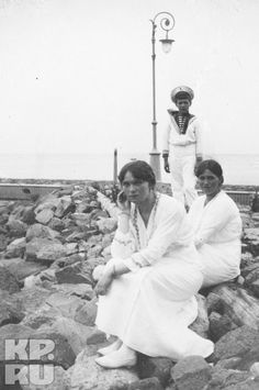 Olga, Maria, & Alexei off the coast of Finland, 1914 - I believe this photo is from the last Standart cruise in 1914 when Maria put her hair up for the first time