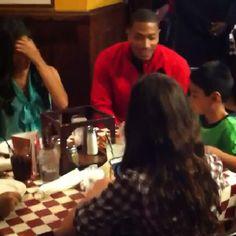 Derrick Rose Surprises At Giordanos Pizza