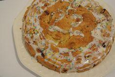Kuchen kam bei diesem Vegan Wednesday ein wenig zu kurz. Aber Laura hält mit ihrem Apfel-Mandarinen-Haselnuss-Rosinen-Kuchen die Fahne hoch!