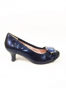 Navy Leather Shoe Morrocan Dress, Footprint, Wedding Shoes, Leather Shoes, Kitten Heels, Navy, Accessories, Beautiful, Dresses