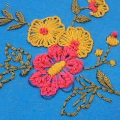 Hand Embroidery Flower Designs, Diy Embroidery Patterns, Hand Embroidery Videos, Hand Embroidery Tutorial, Creative Embroidery, Hand Embroidery Stitches, Crewel Embroidery, Cross Stitch Embroidery, Stitch Patterns