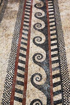 Mirror Mosaic, Mosaic Art, Mosaic Tiles, Mosaic Floors, Mosaic Tile Designs, Mosaic Patterns, Floor Patterns, Ancient Greek Art, Ancient Romans