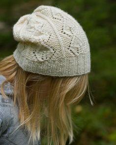 Ravelry: Sirle pattern by Suvi Simola free pattern Knitting Humor, Knitting Stitches, Knitting Patterns Free, Hand Knitting, Crochet Patterns, Free Pattern, Hand Knitted Sweaters, Knit Mittens, Knitted Hats