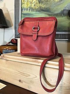 FOSSIL RED PEBBLED LEATHER CROSS BODY ORGANIZER SHOULDER BAG Zip Around Mint  | eBay