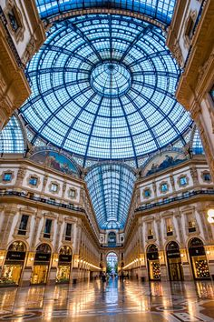 7 Best Things to Do in Milan, Italy Galleria Vittorio Emanuele in Mailand, Italien. Die 7 besten Aktivitäten in Mailand, Italien von Road Affair. Galleria Vittorio Emanuele Ii, Italy Vacation, Italy Travel, Italy Honeymoon, Rome Travel, Vacation Spots, Places To Travel, Places To See, Tourist Places
