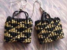 Gold and black Weaving Techniques, Beaded Bracelets, Traditional, Gold, Black, Maori, Black People, Pearl Bracelets, Pony Bead Bracelets