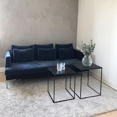 121 個讚,19 則留言 - Instagram 上的 Louise Brøndbjerg(@louisebrha):「 Så fik vi vores sofa og jeg er kæmpe fan!Hvem skulle have troet at jeg fik @emilbrondum overtalt… 」