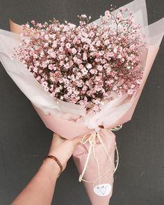 Ты хочешь знать, как быть, если ты сделал что-то не так? Отвечаю, детка: никогда не проси прощения. Ничего не говори. Посылай цветы. Без писем. Только цветы. Они покрывают всё. Даже могилы.
